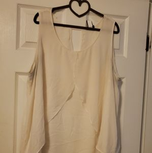 ❤ FREE WITH $60 PURCHASE Cream blouse